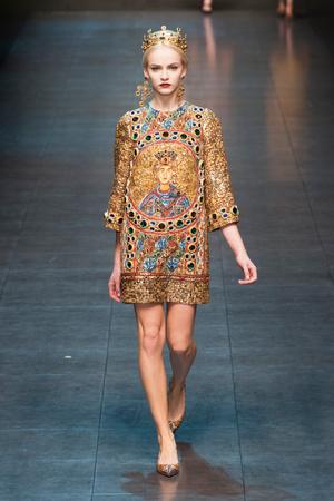 Показ Dolce & Gabbana коллекции сезона Осень-зима 2013-2014 года Prêt-à-porter - www.elle.ru - Подиум - фото 524895