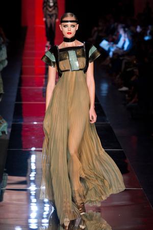 Показ Jean Paul Gaultier коллекции сезона Осень-зима 2012-2013 года Haute couture - www.elle.ru - Подиум - фото 404629
