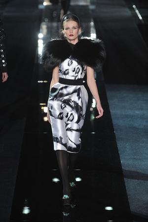 Показ Dolce & Gabbana коллекции сезона Осень-зима 2009-2010 года Prêt-à-porter - www.elle.ru - Подиум - фото 95079
