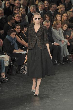 Показ Louis Vuitton коллекции сезона Осень-зима 2010-2011 года prêt-à-porter - www.elle.ru - Подиум - фото 157449