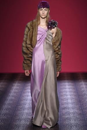 Показ Schiaparelli коллекции сезона Осень-зима 2014-2015 года Haute couture - www.elle.ru - Подиум - фото 584731