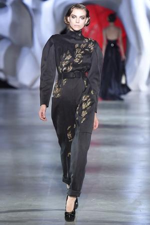 Показ Ulyana Sergeenko коллекции сезона Осень-зима 2014-2015 года haute couture - www.elle.ru - Подиум - фото 584983