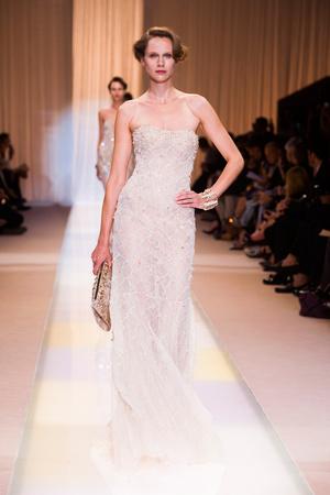 Показ Giorgio Armani Privé коллекции сезона Осень-зима 2013-2014 года haute couture - www.elle.ru - Подиум - фото 556399