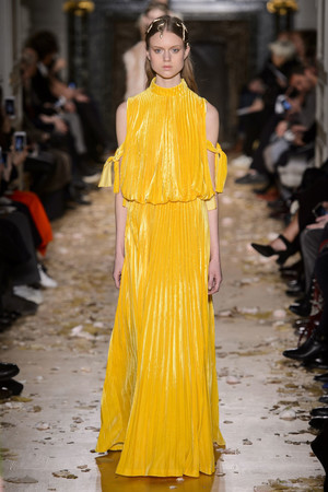 Показ Valentino коллекции сезона Весна-лето  2016 года haute couture - www.elle.ru - Подиум - фото 603095