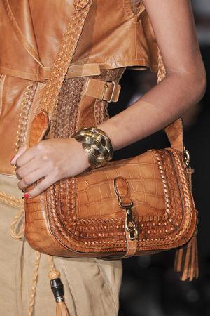 Показ Gucci коллекции сезона Весна-лето 2011 года prêt-à-porter - www.elle.ru - Подиум - фото 181754