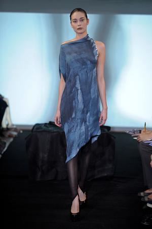 Показ Atelier Gustavo Lins коллекции сезона Осень-зима 2011-2012 года Haute couture - www.elle.ru - Подиум - фото 278117