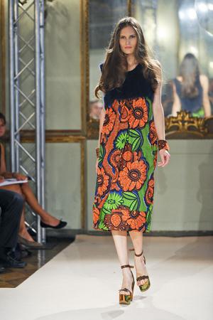 Показ Simonetta Ravizza коллекции сезона Весна-лето 2012 года Prêt-à-porter - www.elle.ru - Подиум - фото 301317