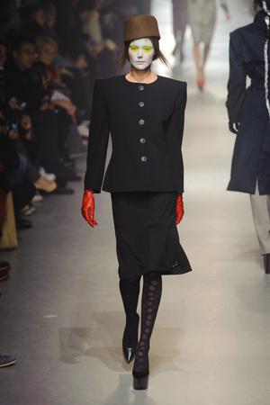 Показ Vivienne Westwood коллекции сезона Осень-зима 2013-2014 года Prêt-à-porter - www.elle.ru - Подиум - фото 537649
