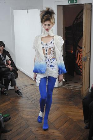 Показ On Aura Tout Vu коллекции сезона Весна-лето 2009 года haute couture - www.elle.ru - Подиум - фото 86893