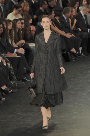 Показ Louis Vuitton коллекции сезона Осень-зима 2010-2011 года prêt-à-porter - www.elle.ru - Подиум - фото 157451
