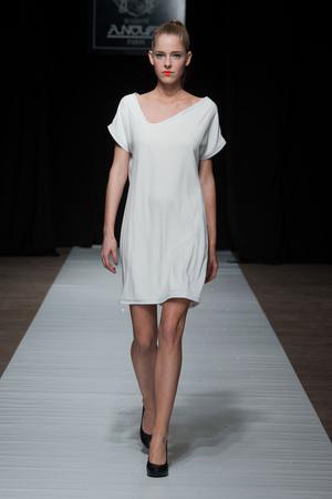 Показ Maison Anoufa коллекции сезона Весна-лето 2014 года Haute couture - www.elle.ru - Подиум - фото 574335