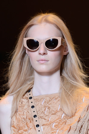 Показ Versace коллекции сезона Весна-лето 2013 года Prêt-à-porter - www.elle.ru - Подиум - фото 443137