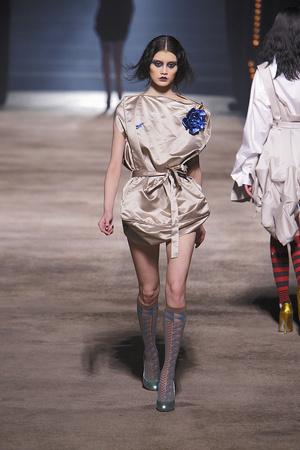 Показ Vivienne Westwood коллекции сезона Осень-зима 2010-2011 года prêt-à-porter - www.elle.ru - Подиум - фото 155625