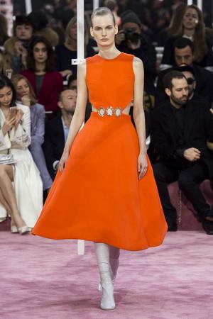 Показ Christian Dior коллекции сезона Весна-лето 2015 года Haute couture - www.elle.ru - Подиум - фото 592828