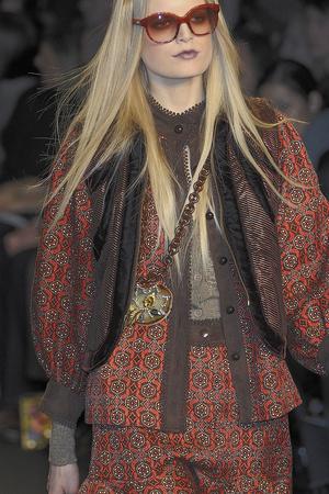 Показ Anna Sui коллекции сезона Осень-зима 2010-2011 года prêt-à-porter - www.elle.ru - Подиум - фото 146810