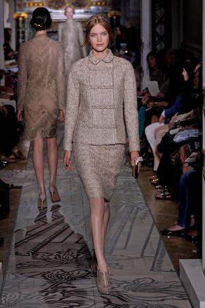 Показ Valentino коллекции сезона Осень-зима 2011-2012 года haute couture - www.elle.ru - Подиум - фото 278538