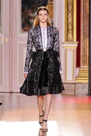 Показ Zuhair Murad коллекции сезона Осень-зима 2012-2013 года haute couture - www.elle.ru - Подиум - фото 404988