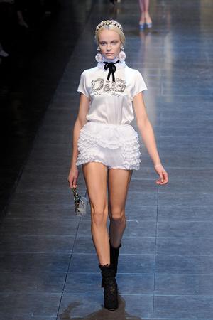Показ Dolce & Gabbana коллекции сезона Осень-зима 2012-2013 года Prêt-à-porter - www.elle.ru - Подиум - фото 367865