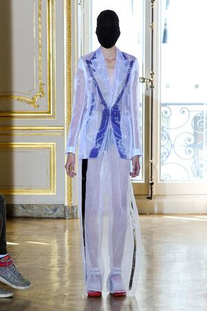 Показ Maison Martin Margiela коллекции сезона Осень-зима 2011-2012 года haute couture - www.elle.ru - Подиум - фото 277119