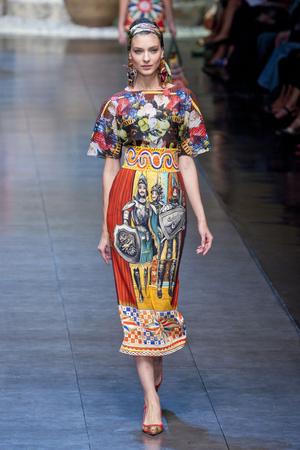 Показ Dolce & Gabbana коллекции сезона Весна-лето 2013 года prêt-à-porter - www.elle.ru - Подиум - фото 443609