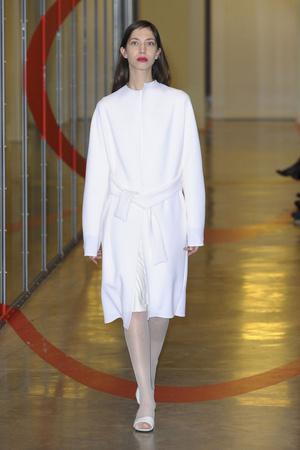 Показ Adeline Andre коллекции сезона Весна-лето 2012 года haute couture - www.elle.ru - Подиум - фото 331507