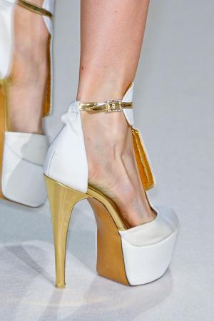 Показ Stephane Rolland коллекции сезона Весна-лето 2012 года Haute couture - www.elle.ru - Подиум - фото 331558