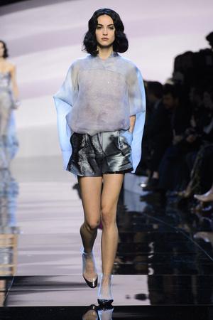 Показ Armani Prive коллекции сезона Весна-лето  2016 года haute couture - www.elle.ru - Подиум - фото 602795