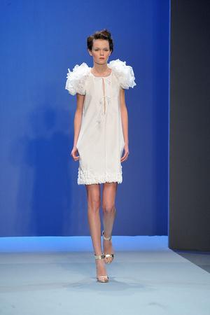 Показ Christophe Josse коллекции сезона Весна-лето 2010 года haute couture - www.elle.ru - Подиум - фото 137945