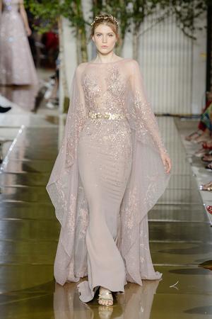 Показ Zuhair Murad коллекции сезона Осень-зима 2017-2018 года Haute couture - www.elle.ru - Подиум - фото 624300