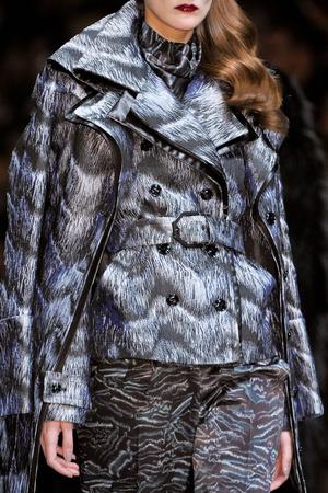 Показ Viktor & Rolf коллекции сезона Осень-зима 2012-2013 года Prêt-à-porter - www.elle.ru - Подиум - фото 380084