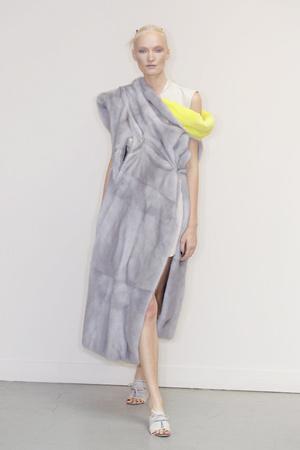 Показ Atelier Gustavo Lins коллекции сезона Осень-зима 2010-2011 года Haute couture - www.elle.ru - Подиум - фото 167272