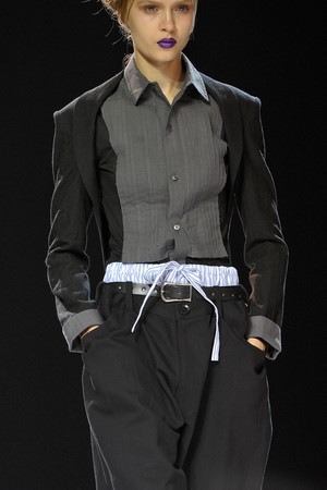 Показ Yohji Yamamoto коллекции сезона Весна-лето 2012 года Prêt-à-porter - www.elle.ru - Подиум - фото 317029