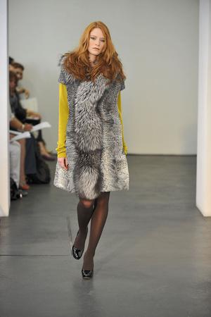 Показ Atelier Gustavo Lins коллекции сезона Осень-зима 2009-2010 года haute couture - www.elle.ru - Подиум - фото 87156