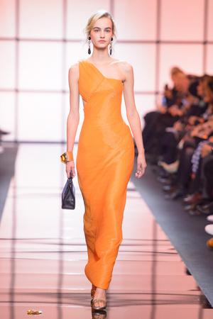 Показ Giorgio Armani Privé коллекции сезона Весна  2017 года Haute couture - www.elle.ru - Подиум - фото 616475