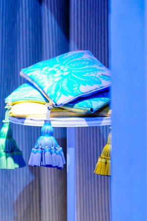 Показ Anya Hindmarch коллекции сезона Весна-лето 2013 года Prêt-à-porter - www.elle.ru - Подиум - фото 432257