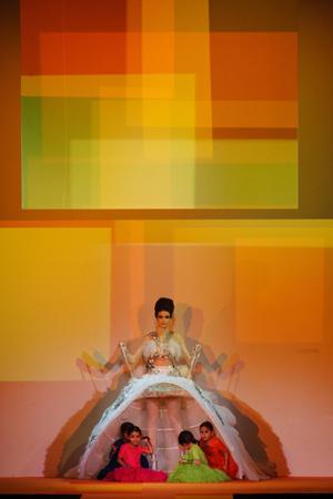 Показ Jean Paul Gaultier коллекции сезона Весна-лето 2013 года Haute couture - www.elle.ru - Подиум - фото 480655