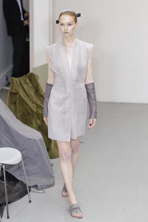 Показ Atelier Gustavo Lins коллекции сезона Осень-зима 2010-2011 года Haute couture - www.elle.ru - Подиум - фото 167277