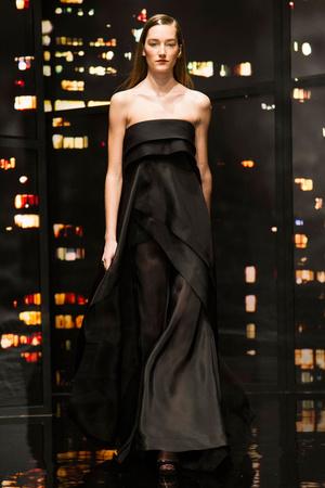 Показ Donna Karan New York коллекции сезона Осень-зима 2015-2016 года prêt-à-porter - www.elle.ru - Подиум - фото 593910