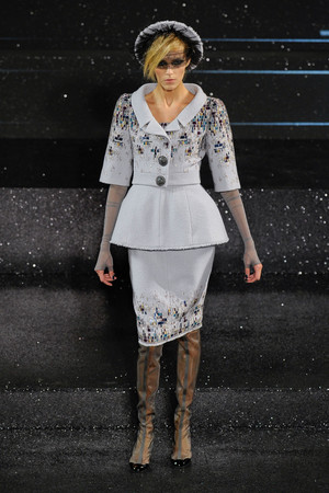 Показ  коллекции сезона Осень-зима 2011-2012 года Haute couture - www.elle.ru - Подиум - фото 278047