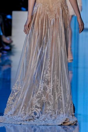 Показ Elie Saab коллекции сезона Осень-зима 2011-2012 года haute couture - www.elle.ru - Подиум - фото 279289