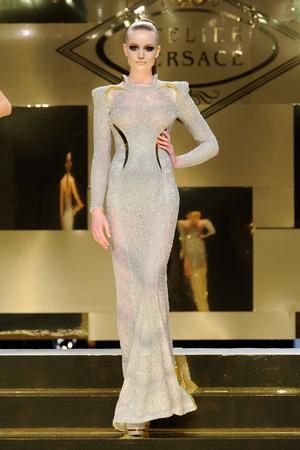 Показ Versace Haute Couture коллекции сезона Весна-лето 2012 года Haute couture - www.elle.ru - Подиум - фото 330085