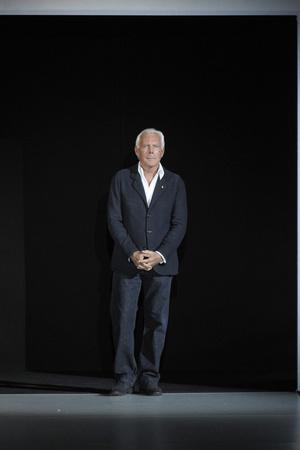 Показ Giorgio Armani коллекции сезона Осень-зима 2011-2012 года prêt-à-porter - www.elle.ru - Подиум - фото 247933
