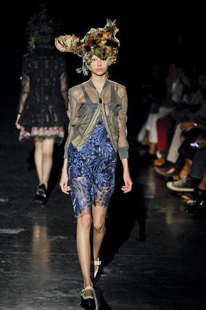 Показ Junya Watanabe коллекции сезона Весна-лето 2012 года prêt-à-porter - www.elle.ru - Подиум - фото 310857