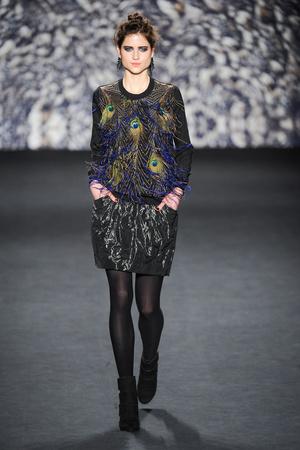 Показ Nicole Miller коллекции сезона Осень-зима 2014-2015 года Prêt-à-porter - www.elle.ru - Подиум - фото 576297