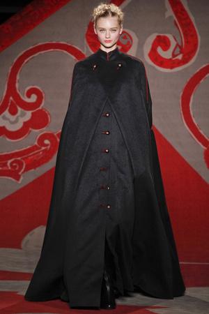 Показ Ulyana Sergeenko коллекции сезона Осень-зима 2012-2013 года haute couture - www.elle.ru - Подиум - фото 404223