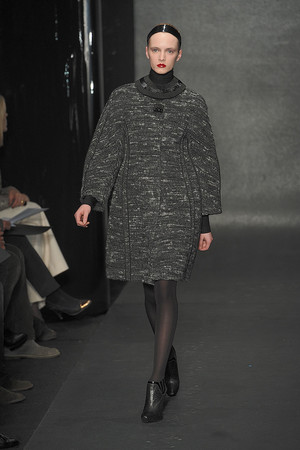 Показ Donna Karan коллекции сезона Осень-зима 2010-2011 года Prêt-à-porter - www.elle.ru - Подиум - фото 145201