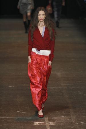 Показ Vivienne Westwood Red Label коллекции сезона Осень-зима 2009-2010 года Prêt-à-porter - www.elle.ru - Подиум - фото 94044