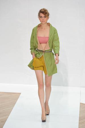 Показ Nicole Farhi коллекции сезона Весна-лето 2010 года prêt-à-porter - www.elle.ru - Подиум - фото 112615