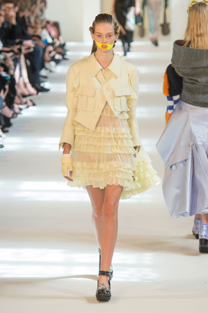 Показ Maison Margiela коллекции сезона Осень-зима 2016-2017 года Haute couture - www.elle.ru - Подиум - фото 607165
