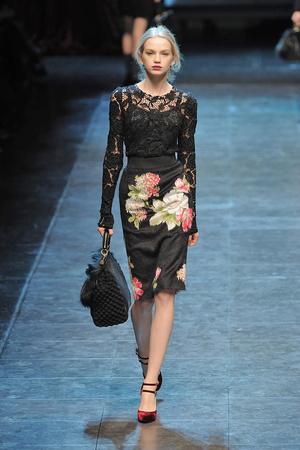 Показ Dolce & Gabbana коллекции сезона Осень-зима 2010-2011 года Prêt-à-porter - www.elle.ru - Подиум - фото 151844